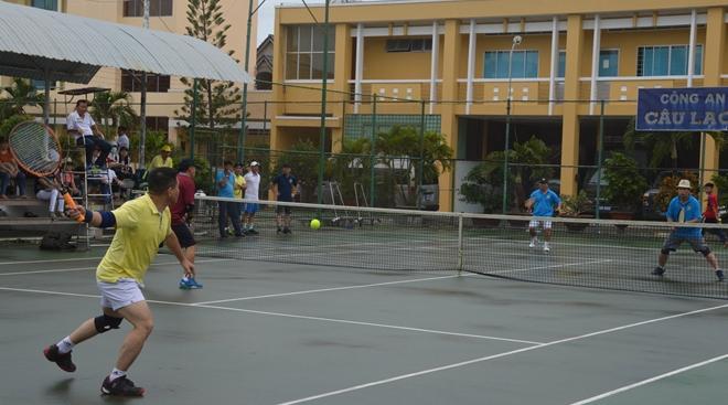 Sôi nổi giải bóng chuyền và quần vợt Cụm thi đua số 9 - Ảnh minh hoạ 4