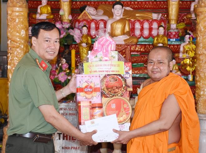 Công an tỉnh Bạc Liêu chúc Tết Chol Chnam Thmay của đồng bào Khmer - Ảnh minh hoạ 2