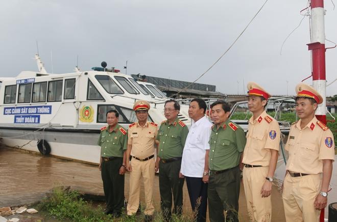 Thứ trưởng Nguyễn Văn Thành làm việc với Thủy đoàn II Cục CSGT - Ảnh minh hoạ 6