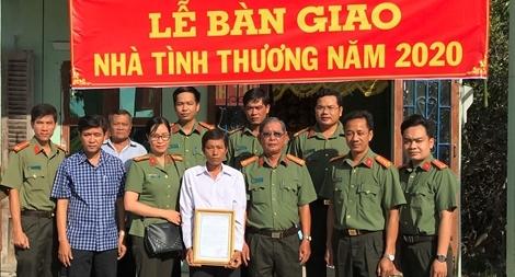 Công an tỉnh Bạc Liêu tặng nhà tình thương cho hộ nghèo