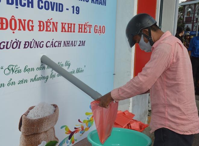 Cây ATM gạo đầu tiên hỗ trợ người nghèo ở Sóc Trăng - Ảnh minh hoạ 2
