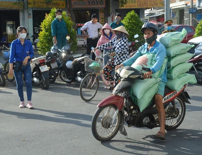 Cây ATM gạo đầu tiên hỗ trợ người nghèo ở Sóc Trăng - Ảnh minh hoạ 5