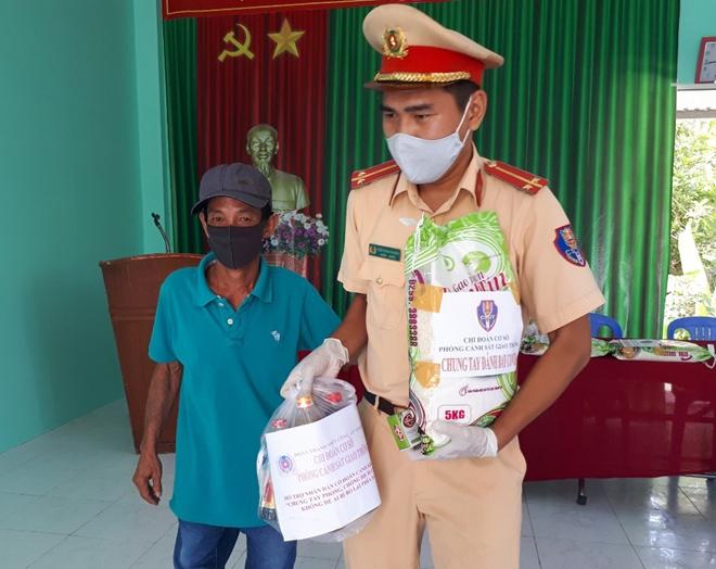 Cây ATM gạo đầu tiên hỗ trợ người nghèo ở Sóc Trăng - Ảnh minh hoạ 9