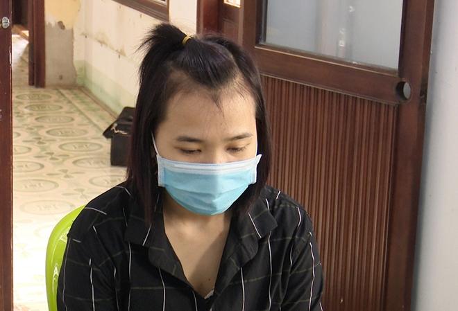 Ba phụ nữ người Việt đi cùng 3 đối tượng người Trung Quốc.