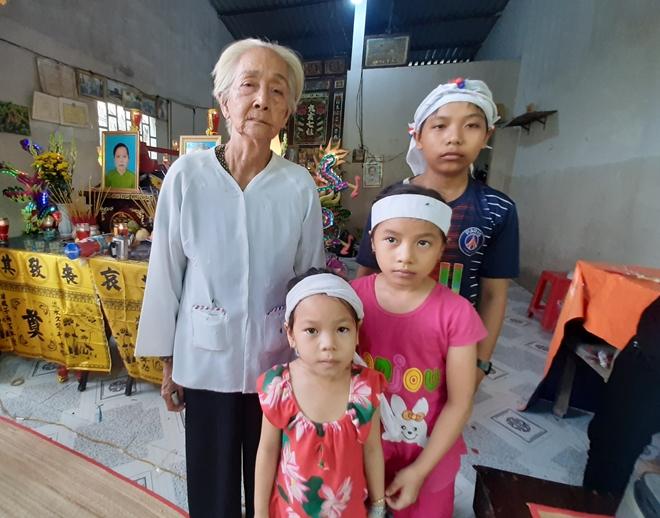 Cha mẹ mất do tai nạn, bỏ lại 3 con thơ dại