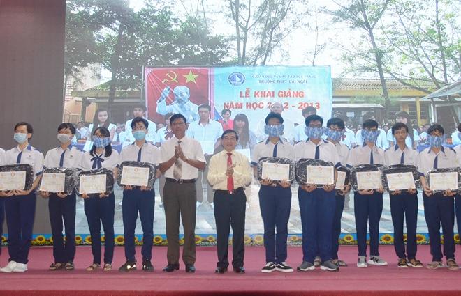Trao học bổng Lương Định Của cho học sinh, sinh viên nghèo hiếu học - Ảnh minh hoạ 3