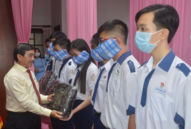 Trao học bổng Lương Định Của cho học sinh, sinh viên nghèo hiếu học - Ảnh minh hoạ 2