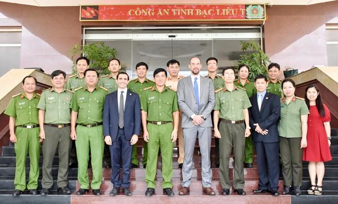 Đoàn công tác Đại sứ quán Hoa Kỳ làm việc với Công an tỉnh Bạc Liêu - Ảnh minh hoạ 5