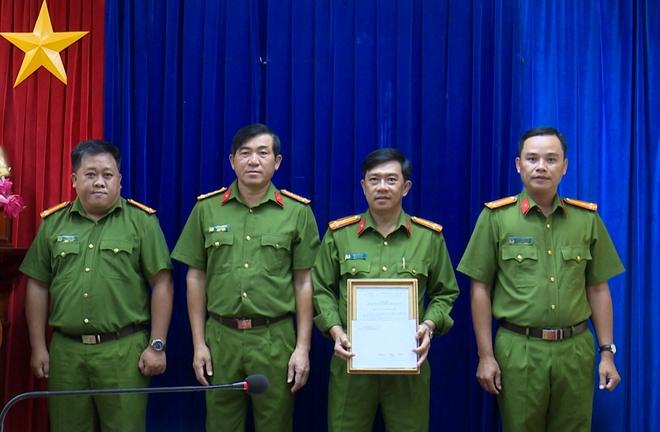 Khen thưởng các đơn vị thực hiện cao điểm tấn công tội phạm - Ảnh minh hoạ 2