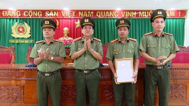 Khen thưởng các đơn vị thực hiện cao điểm tấn công tội phạm - Ảnh minh hoạ 3