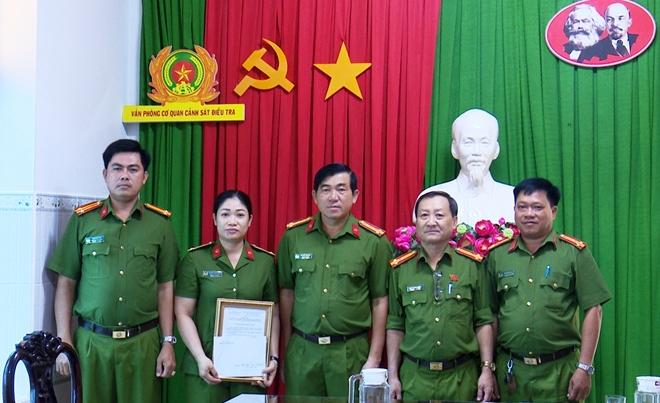Khen thưởng các đơn vị thực hiện cao điểm tấn công tội phạm - Ảnh minh hoạ 5