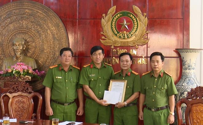 Khen thưởng các đơn vị thực hiện cao điểm tấn công tội phạm - Ảnh minh hoạ 4