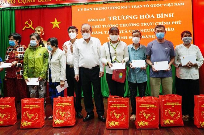 Phó Thủ tướng Trương Hòa Bình trao quà Tết tại Sóc Trăng - Ảnh minh hoạ 3