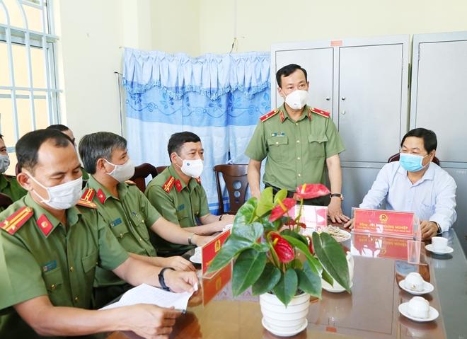 Thứ trưởng Lê Tấn Tới thăm, chúc Tết Công an xã ở Hậu Giang và Sóc Trăng - Ảnh minh hoạ 3