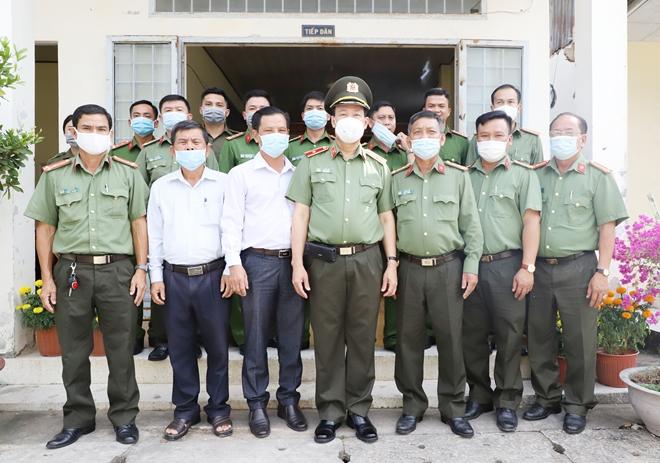 Thứ trưởng Lê Tấn Tới thăm, chúc Tết Công an xã ở Hậu Giang và Sóc Trăng - Ảnh minh hoạ 2