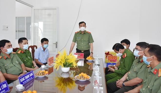 Thứ trưởng Lê Tấn Tới kiểm tra công tác một số đơn vị thuộc Công an tỉnh Bạc Liêu