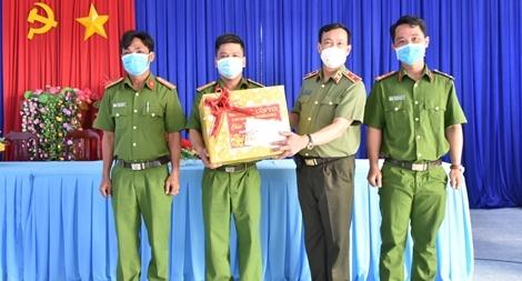 Thứ trưởng Lê Tấn Tới tiếp tục kiểm tra công tác tại Bạc Liêu và Cà Mau