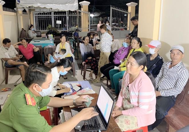 Xuyên đêm cấp căn cước công dân ở thị xã ven biển Vĩnh Châu - Ảnh minh hoạ 4