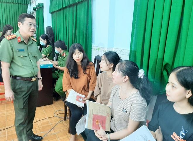 Giám đốc Công an tỉnh Sóc Trăng kiểm tra công tác cấp CCCD lưu động - Ảnh minh hoạ 4