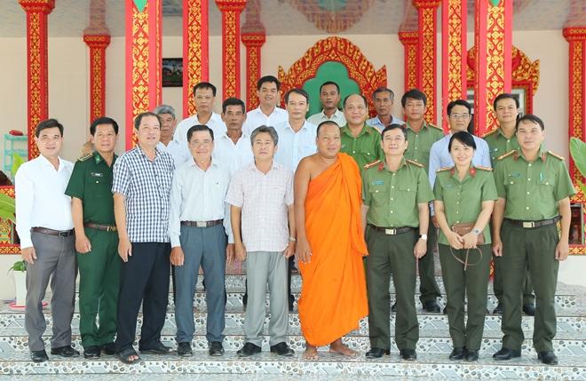 Công an hai tỉnh Sóc Trăng, Bạc Liêu chúc Tết Chôl Chnăm Thmây