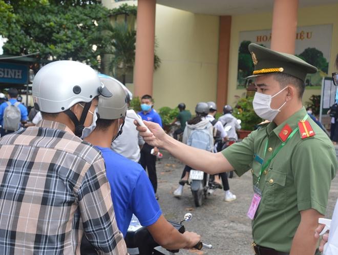Công an Sóc Trăng bảo vệ an toàn kỳ thi tốt nghiệp THPT năm 2021 - Ảnh minh hoạ 2