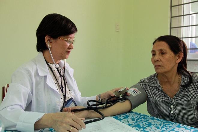 Khám bệnh, cấp phát thuốc cho hơn 1.000 người nghèo tại Quãng Ngãi - Ảnh minh hoạ 3