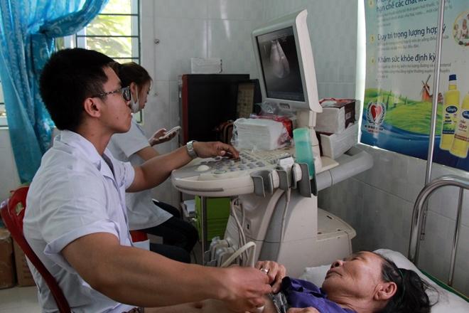 Khám bệnh, cấp phát thuốc cho hơn 1.000 người nghèo tại Quãng Ngãi - Ảnh minh hoạ 2