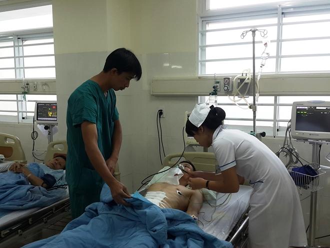 Anh Việt vẫn đang được tích cực điều trị tại bệnh viện