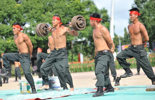 Khai mạc Chung kết Hội thi điều lệnh, bắn súng, võ thuật CAND khu vực phía Nam lần thứ 5 - Ảnh minh hoạ 12