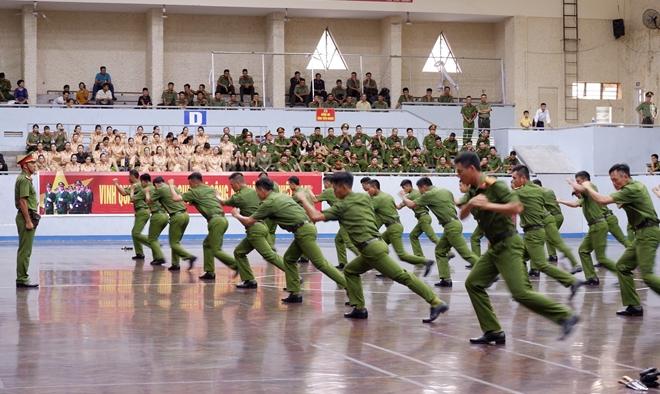 Bế mạc Hội thi điều lệnh, bắn súng, võ thuật CAND lần thứ 5 khu vực phía Nam - Ảnh minh hoạ 7