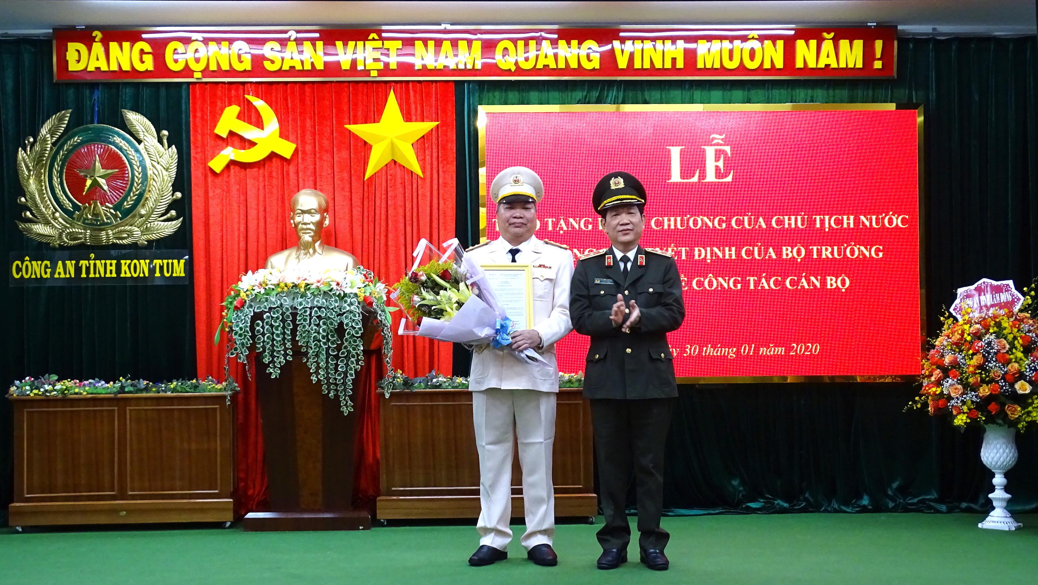 Công bố quyết định bổ nhiệm Giám đốc Công an tỉnh Kon Tum