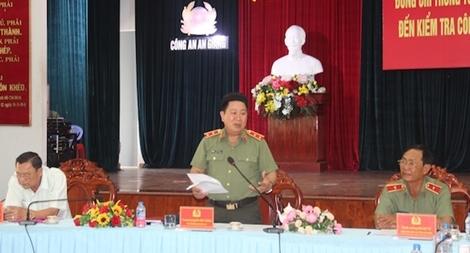 Kiên quyết xử lý hoạt động buôn lậu trên tuyến biên giới An Giang