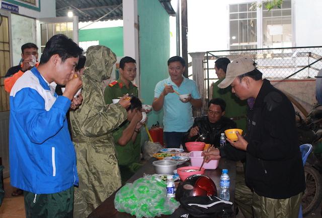 Công an Bạc Liêu tăng cường tuần tra an ninh khu vực sơ tán cư dân tránh bão - Ảnh minh hoạ 3