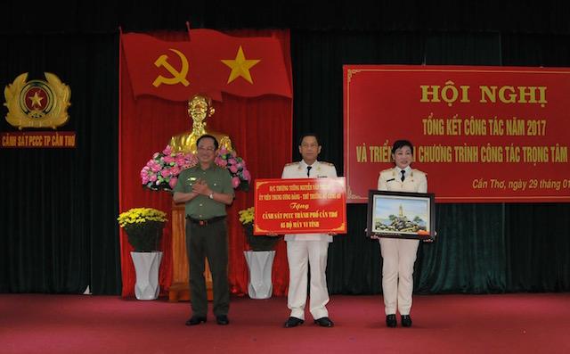 Lãnh đạo Bộ Công an chỉ đạo công tác tại Cảnh sát PCCC TP Cần Thơ - Ảnh minh hoạ 4