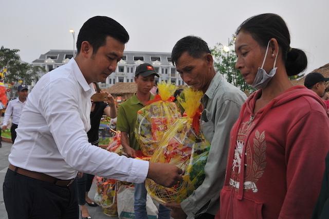 Chia sẻ yêu thương với người dân nghèo Rạch Giá - Ảnh minh hoạ 12