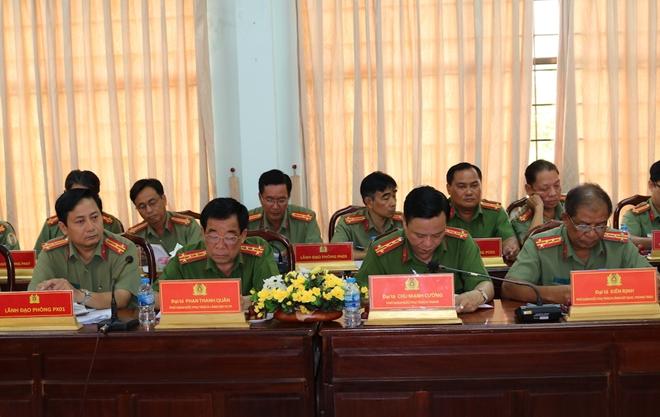 Bộ trưởng Tô Lâm kiểm tra, chỉ đạo công tác tại Công an tỉnh Trà Vinh - Ảnh minh hoạ 2