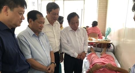 Lãnh đạo TP Cần Thơ thăm hỏi cán bộ công an bị thương phải cắt một quả thận