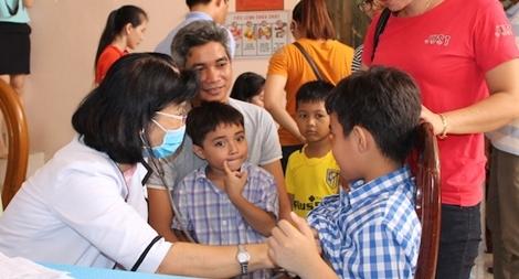 Công an tỉnh Trà Vinh tổ chức khám bệnh, tư vấn dinh dưỡng cho con cán bộ, chiến sỹ