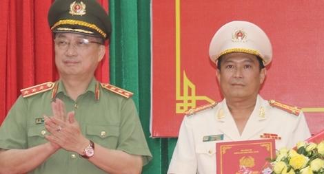 Công bố quyết định điều động, bổ nhiệm Giám đốc Công an tỉnh Vĩnh Long