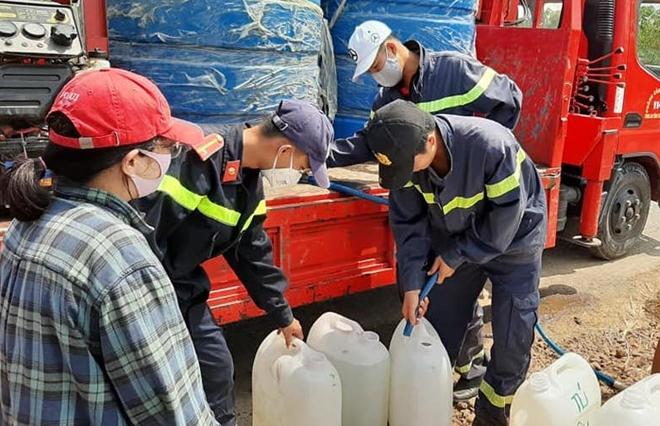 Công an Tiền Giang bơm nước ngọt đến tận nhà dân ở Gò Công Đông - Ảnh minh hoạ 2