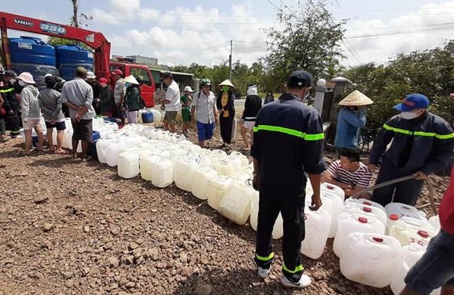 Công an Tiền Giang bơm nước ngọt đến tận nhà dân ở Gò Công Đông - Ảnh minh hoạ 3