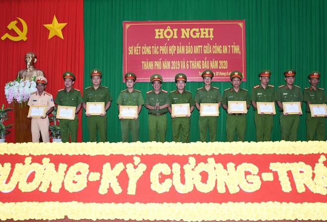 Công an 7 tỉnh, thành miền Tây phối hợp hiệu quả công tác bảo đảm ANTT - Ảnh minh hoạ 2