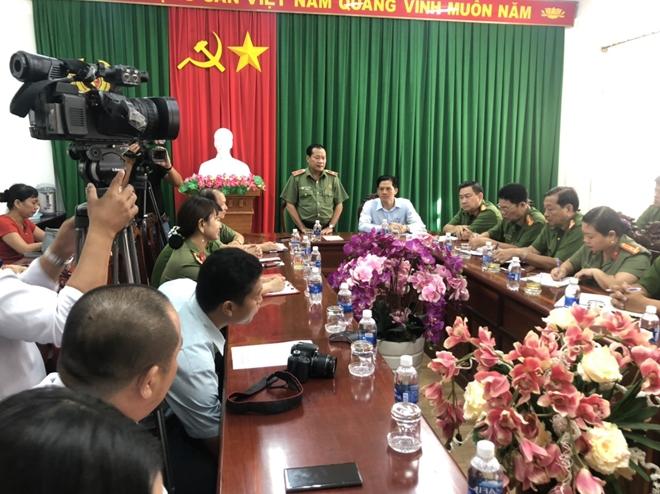 Khen thưởng Công an Ninh Kiều triệt phá băng nhóm chuyên trộm xe SH