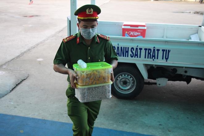 """""""Bát cháo yêu thương"""" ở Bình Minh - Ảnh minh hoạ 4"""