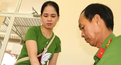 Công an tỉnh Đồng Tháp tổ chức 39 tổ cấp căn cước công dân