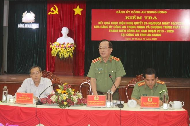 Thứ trưởng Nguyễn Văn Thành kiểm tra công tác tại An Giang