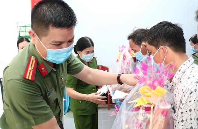 Ấm áp tình Xuân miệt vườn Tiền Giang và Bến Tre - Ảnh minh hoạ 17