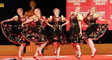 Sinh viên Học viện ANND cháy hết mình cùng những vũ điệu Nga sôi động