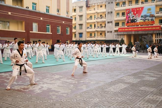Khai mạc tuần lễ thể thao chào mừng 65 năm Ngày thành lập lực lượng Cảnh vệ CAND - Ảnh minh hoạ 3