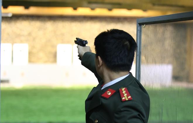 """Các thiện xạ Cảnh vệ CAND phô diễn kĩ năng bắn súng """"bách phát, bách trúng"""" - Ảnh minh hoạ 11"""